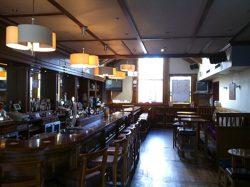 Commercial Property Longs Pub Donnybrook