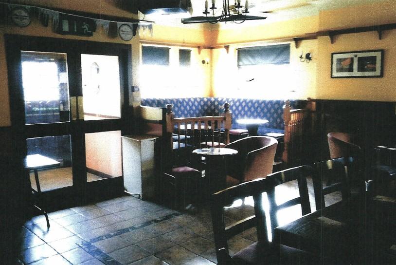Campions-Pub-Front-Lounge
